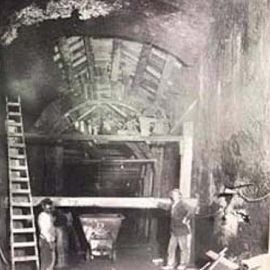 1910-1912: FFCC Oeste Historia del túnel
