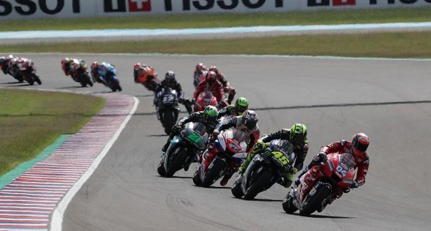 Matías Lammens formalizó en Santiago del Estero el regreso del MotoGP