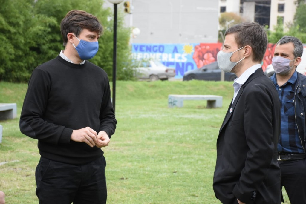 Lucas Ghi y el ministro bonaerense Augusto Costa entregaron subsidios del Fondo para la Reactivación Cultural y Turística
