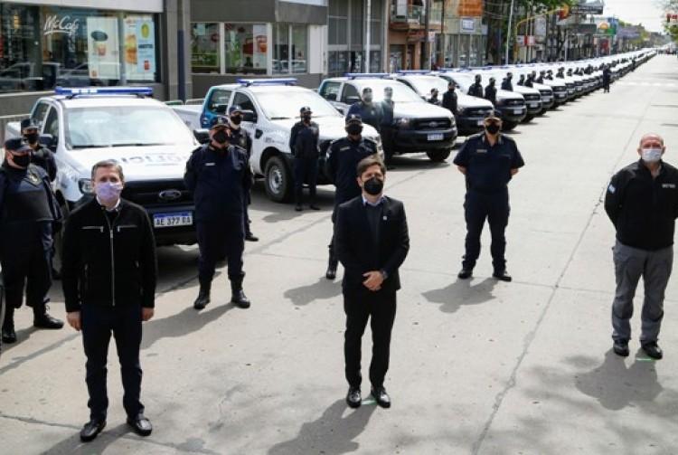 Kicillof puso en funcionamiento 60 patrulleros y nuevo equipamiento de vigilancia en Esteban Echeverría