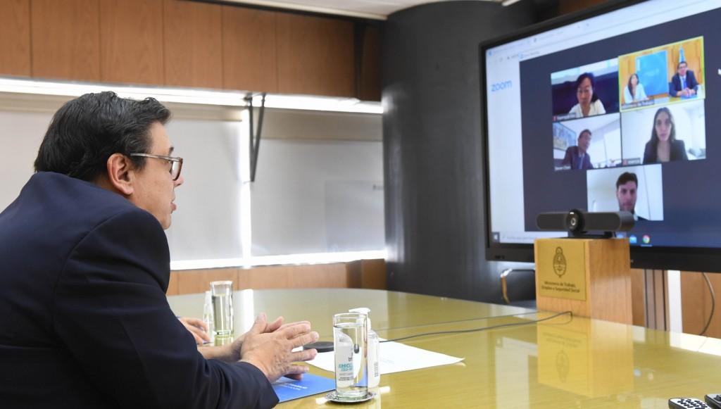 El Ministro de Trabajo, Empleo y Seguridad Social mantuvo una reunión con Steven Chen Shiqing, CEO de Huawei Argentina.