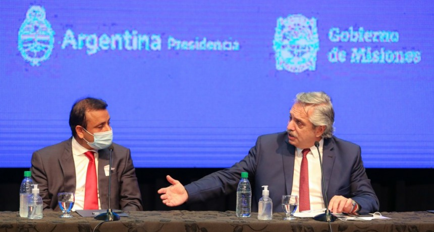 Misiones: el Presidente inauguró obras viales y un hospital