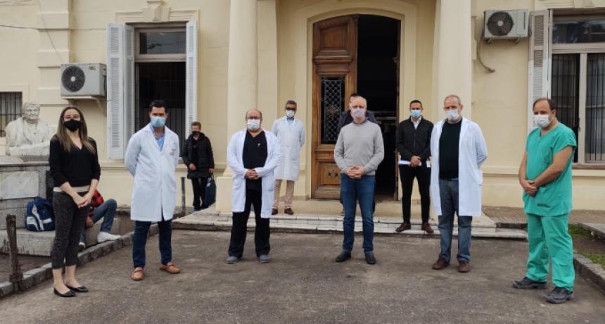 """Gollan recorrió el Hospital """"Gandulfo"""" de Lomas de Zamora"""