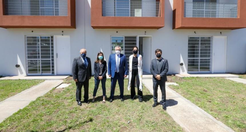El presidente Alberto Fernández  desde Ezeiza entregó viviendas del Programa Procrear