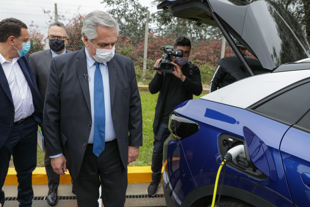El Presidente visitó la planta de la empresa Toyota, donde se anunció la presentación del proyecto de Ley de Movilidad Sustentable