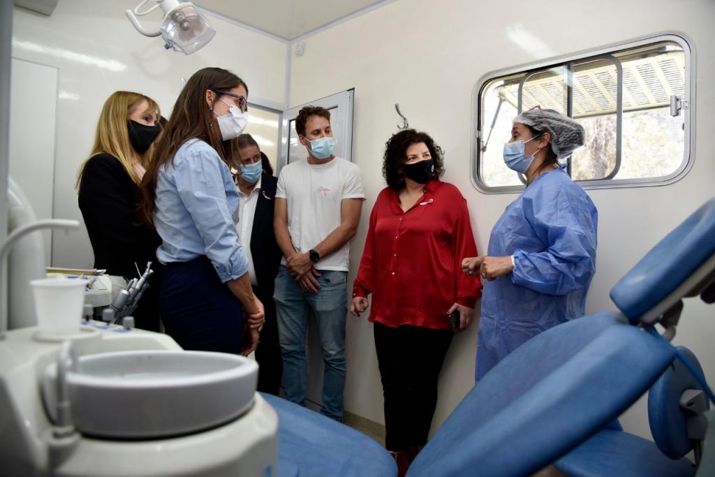 Carla Vizzotti y Elizabeth Gómez Alcorta recorrieron operativo de prevención del cáncer de mama