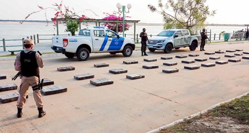 Prefectura Naval secuestró casi una tonelada de marihuana en Corrientes y Misiones