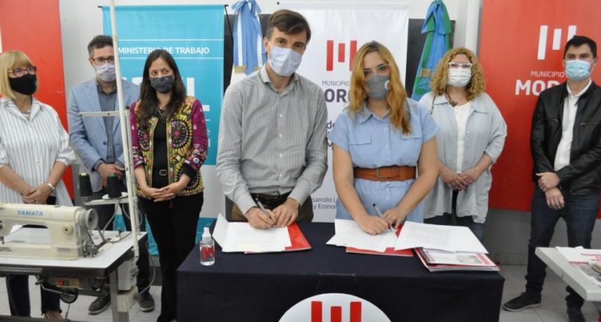Lucas Ghi y Mara Ruiz Malec firmaron un convenio para reactivar los Centros de Formación Laboral en Morón