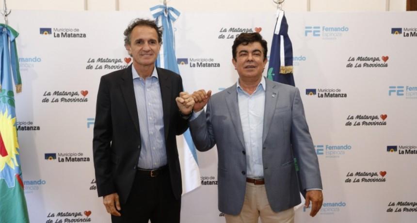 """Fernando Espinoza: """"firmamos convenios de obras que van a seguir cambiando a La Matanza"""""""