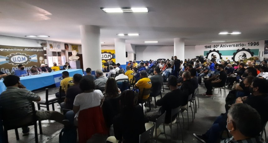 """Metalúrgicos reiteraron su descontento por el """"insuficiente"""" acuerdo salarial de la UOMRA"""