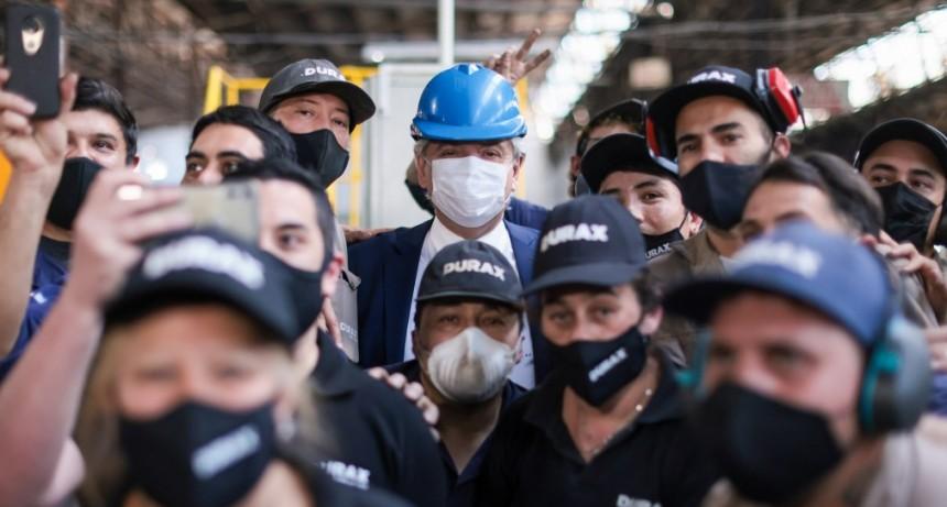 """Alberto Fernández: """"Cada vez que visito una PyME reafirmo que son el motor central del desarrollo y el crecimiento"""""""