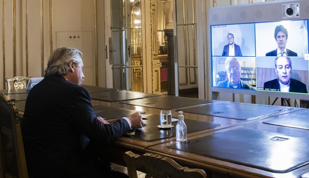 """""""Deberíamos empeñarnos ya en buscar puntos de acuerdo, en empezar un diálogo sincero que nos permita transformar a la Argentina en un país de producción y que recupere los valores éticos que se han perdido"""""""