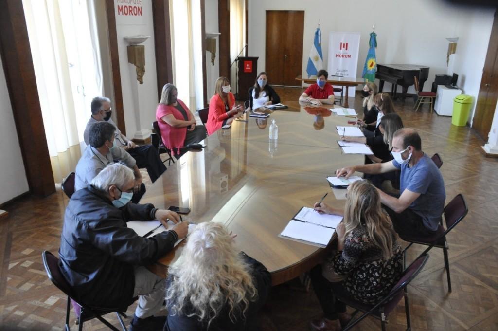 Lucas Ghi entregó subsidios del Fondo para la Reactivación Cultural y Turística