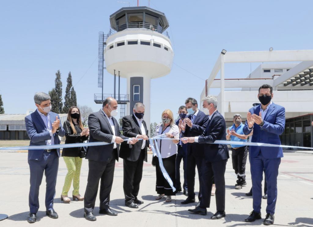 Mario Meoni inauguró la remodelada torre de control en el aeropuerto de Tucumán