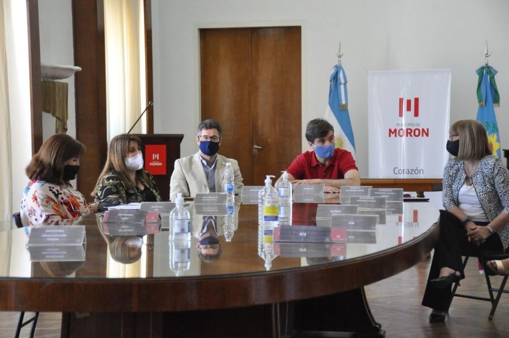 Lucas Ghi convocó a representantes docentes y auxiliares para coordinar actividades socieducativas