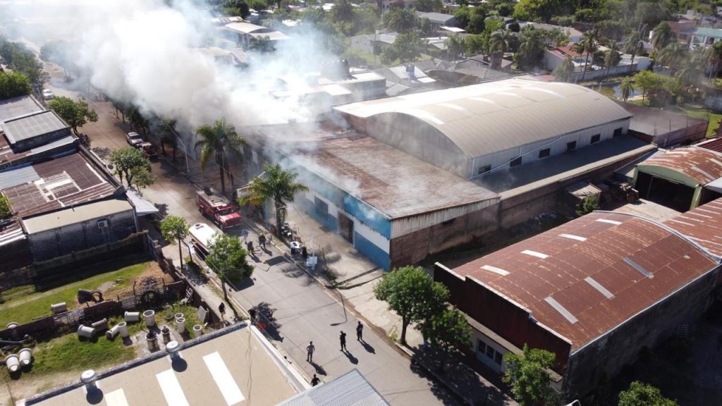 El club Juventud de Feliciano recibió el apoyo del Gobierno Nacional tras perder gran parte de su infraestructura en un incendio