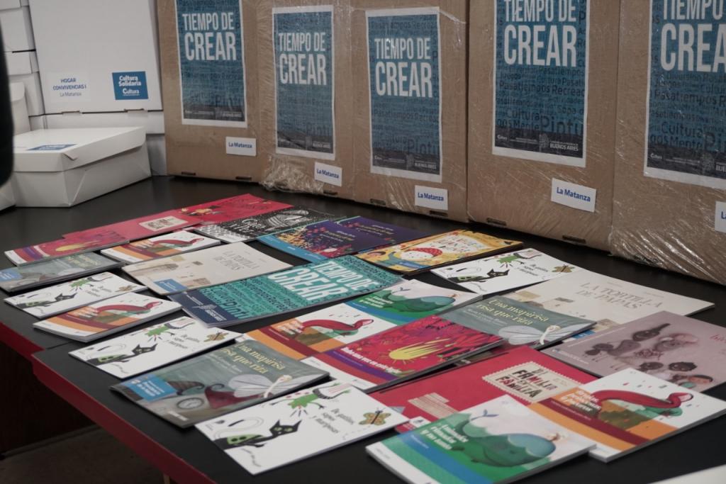 """Programa """"Tiempo de Crear"""": se entregaron cuadernillos en La Matanza"""