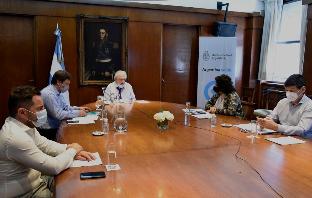 González García explico avances para el fortalecimiento de los sistemas sanitarios