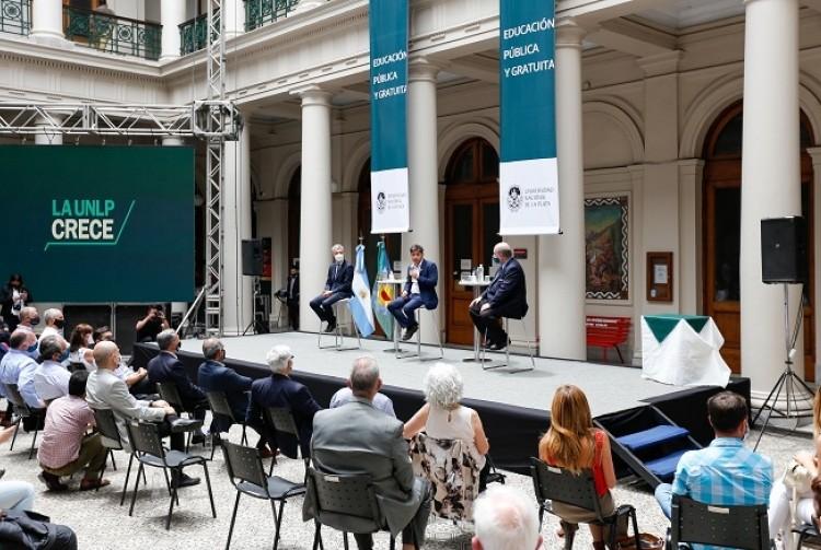 Axel Kicillof firmó un convenio para avanzar en la construcción de un polo científico y administrativo en La Plata