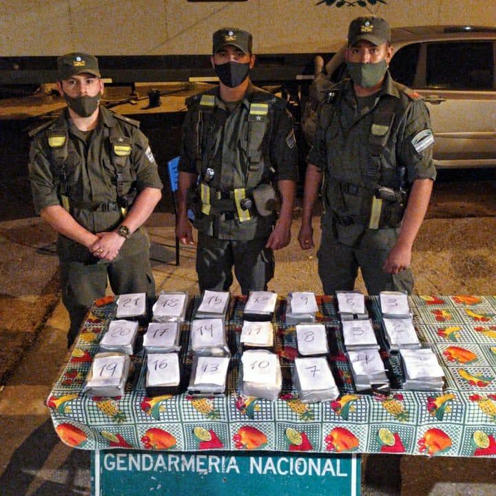 Gendarmería detuvo a tres personas que transportaban cocaína en un tanque de nafta