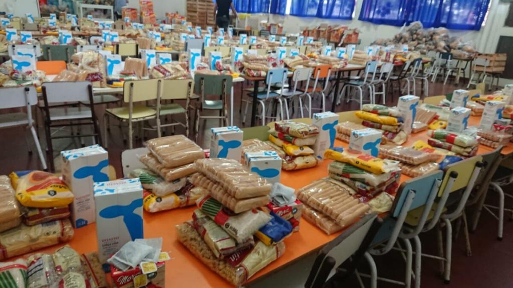 Entrega de Módulos  Alimentarios en las Escuelas durante todo el verano.
