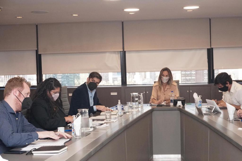 Carlos Bianco y Malena Galmarini avanzaron en la definición de obras para la provisión de agua potable y cloacas en barrios populares de la provincia