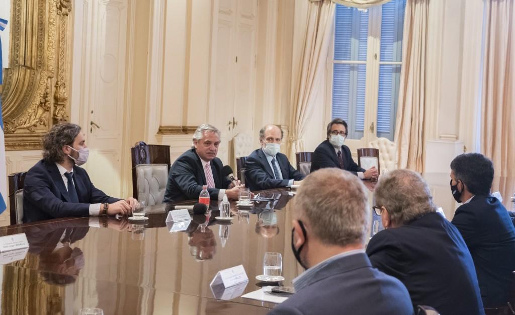 El Presidente recibió a directivos de la banca pública y privada que le presentaron la billetera virtual MODO