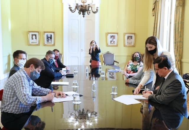 El Ministerio de Salud participó de firma de convenio entre la Agencia Nacional de Discapacidad y Tierra del Fuego