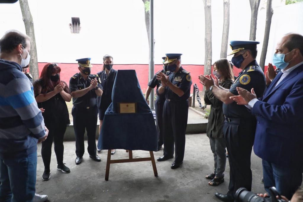 Sabina Frederic encabezó el homenaje al policía federal Diego Di Giácomo