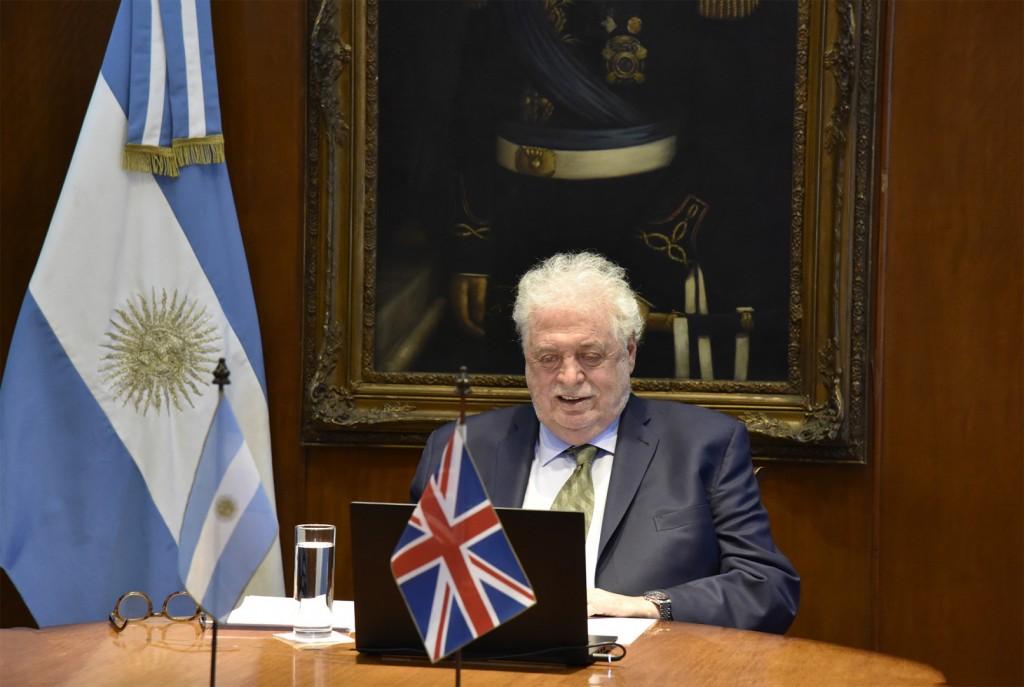 Argentina y Reino Unido organizaron seminario virtual sobre vacunas contra COVID-19