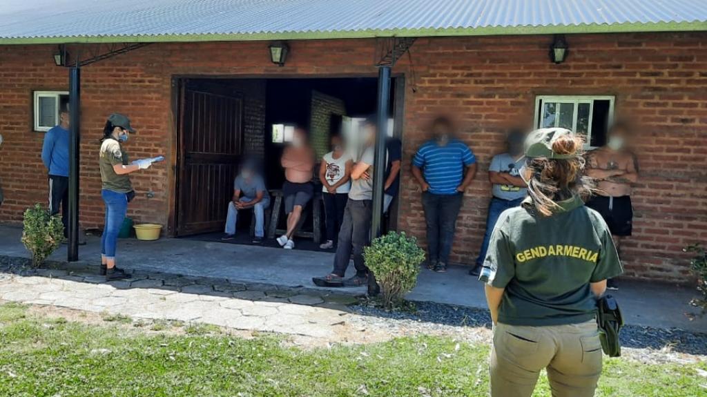 Explotación laboral: Gendarmería allanó un campo de Cañuelas denunciado