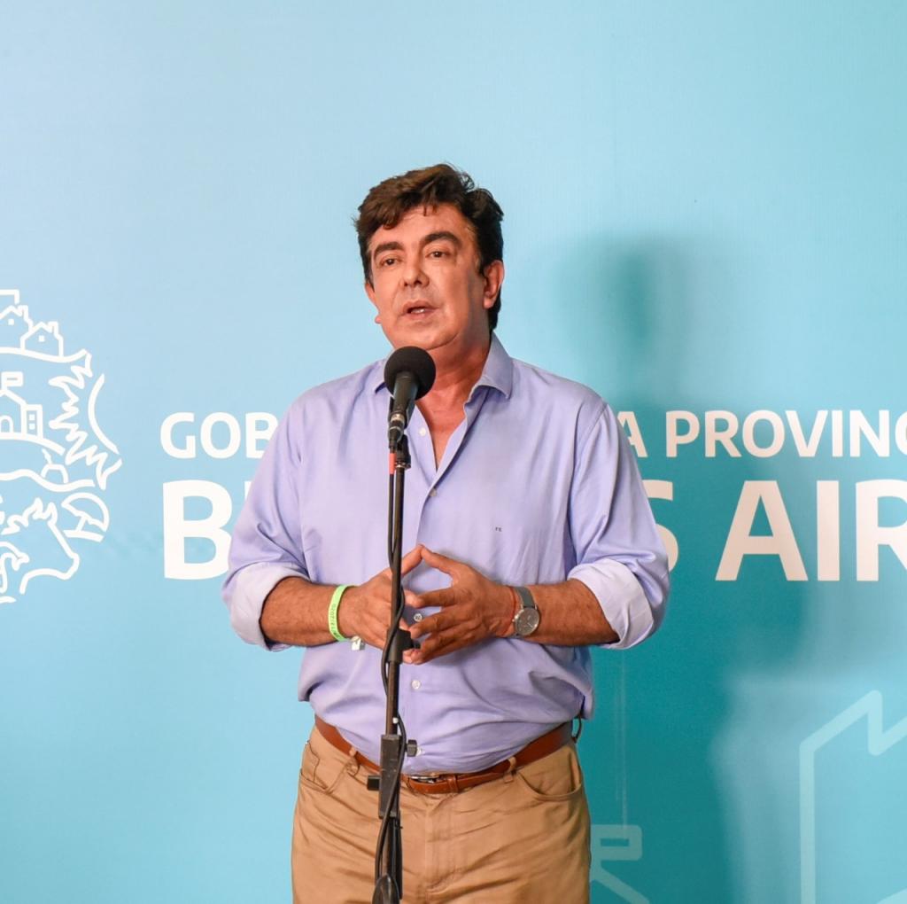 """Fernando Espinoza: """"Tenemos vacuna y vamos a salir adelante"""""""