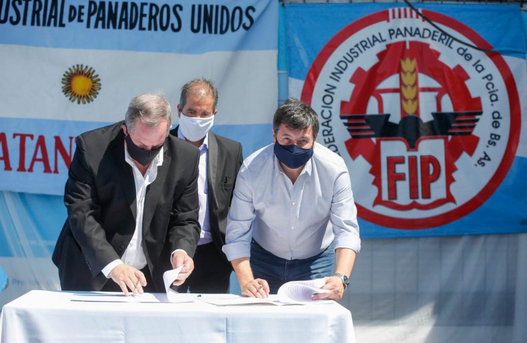 Daniel Arroyo acuerda con Federación de Panaderos avanzar en la formación en oficios para titulares de Potenciar Trabajo